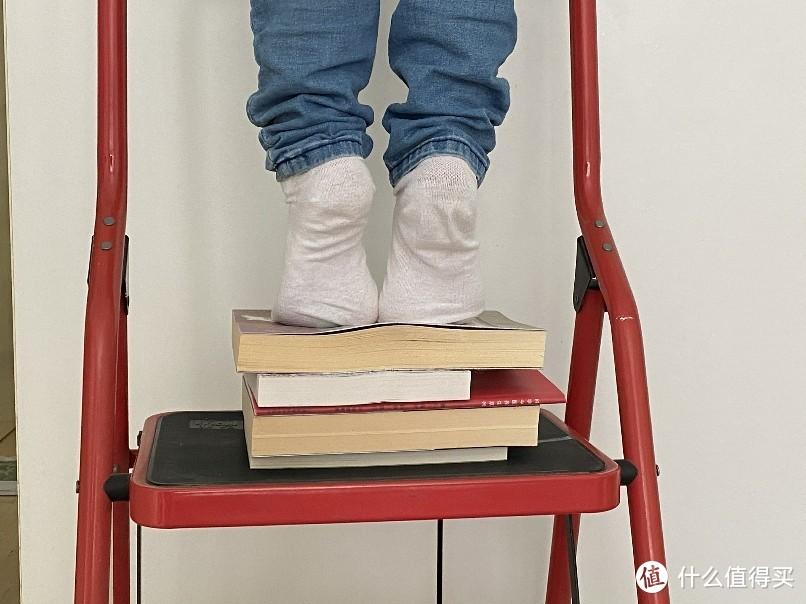 大开本的书不够多,其实主要是有的书我不好意思踩在脚下……