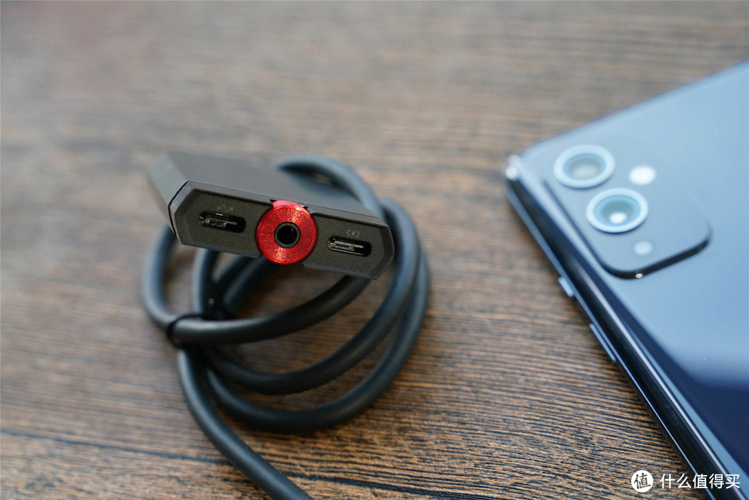 游戏玩家神器,红魔手游拓展坞评测:投屏+充电+听声辨位一步到位