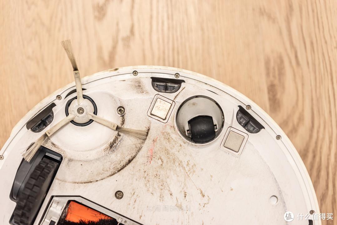 除污能力再升级,震动擦地效果令人满意!石头扫拖机器人T7S详细评测