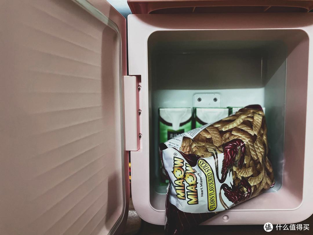 迷你小巧 冷暖两用:倍思小冰屋学生冰箱上手体验