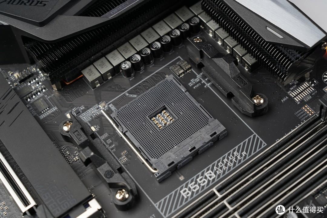 AMD AM4接口,完美兼容Zen 3全新架构的锐龙5000系列处理器。