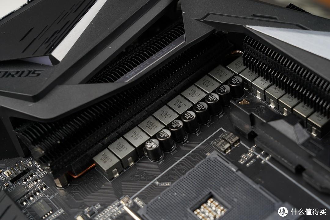 供电部分采用英飞凌XDPE132G5C数字PWM控制器,直出式16相数字供电。