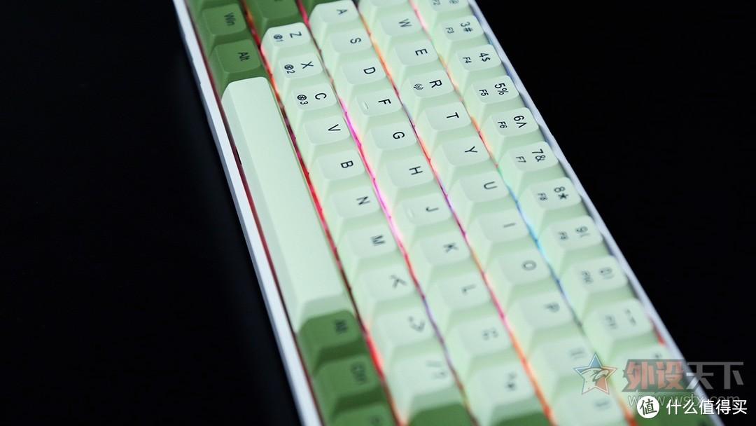 狼蛛F3068魔幻森林RGB机械键盘评测:最佳入门客制化键盘