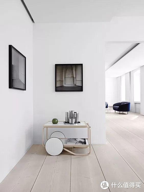 质朴纯粹的木地板,给空间注入极致温柔