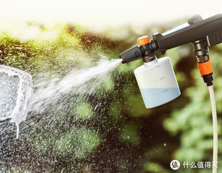 拿起水枪洗车车——亿力YLQ2010D-B无线锂电清洗机