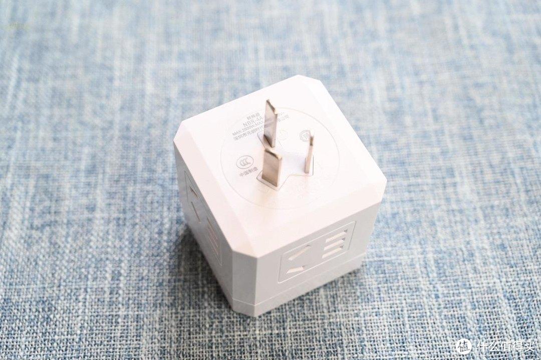 更安全地扩展墙壁插座,而且轻巧易携带,ORICO魔方插座上手