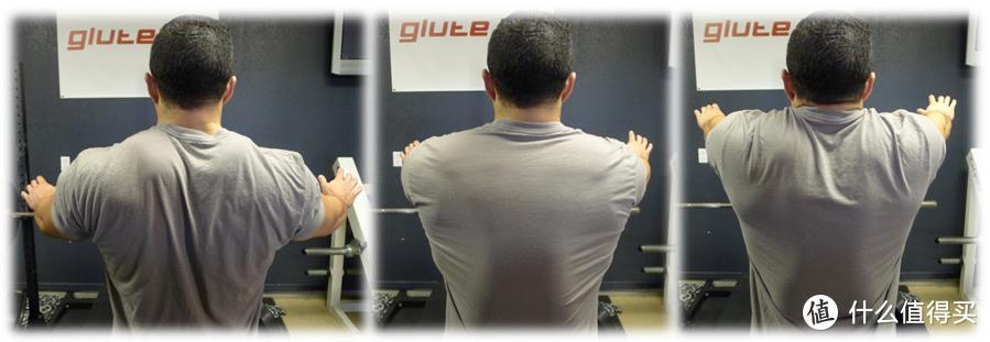 从左到右:好的位置,不好的位置(肩胛骨牵引),不好的位置(耸肩)