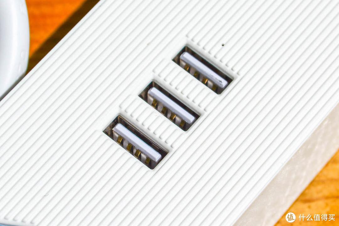一个操作,桌面瞬间整洁!Orico原木电源收纳盒使用体验