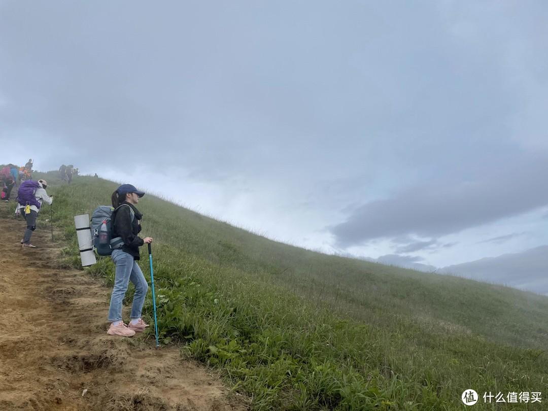 老年人徒步:五一武功山反穿——二刷虽然还是没看到云海,但让我见识了管理稀碎的武功山