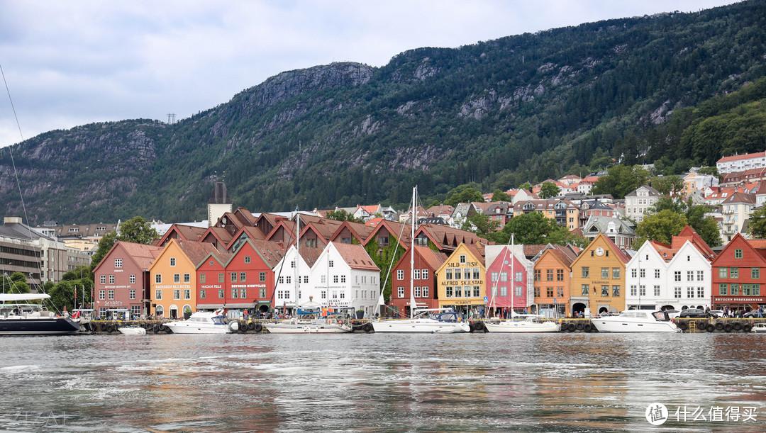 这一排色彩斑斓的小房子就是卑尔根的标志景点