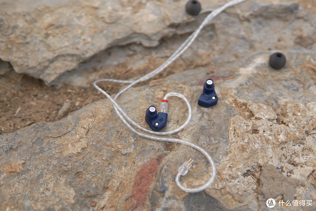 买耳机送二次元老婆?水月雨SSP单动圈入耳式耳机体验