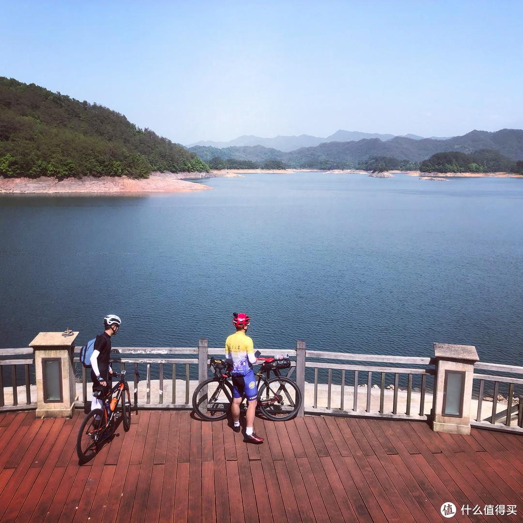 跨三山掠两湖,五一黄山大环线爬坡之旅
