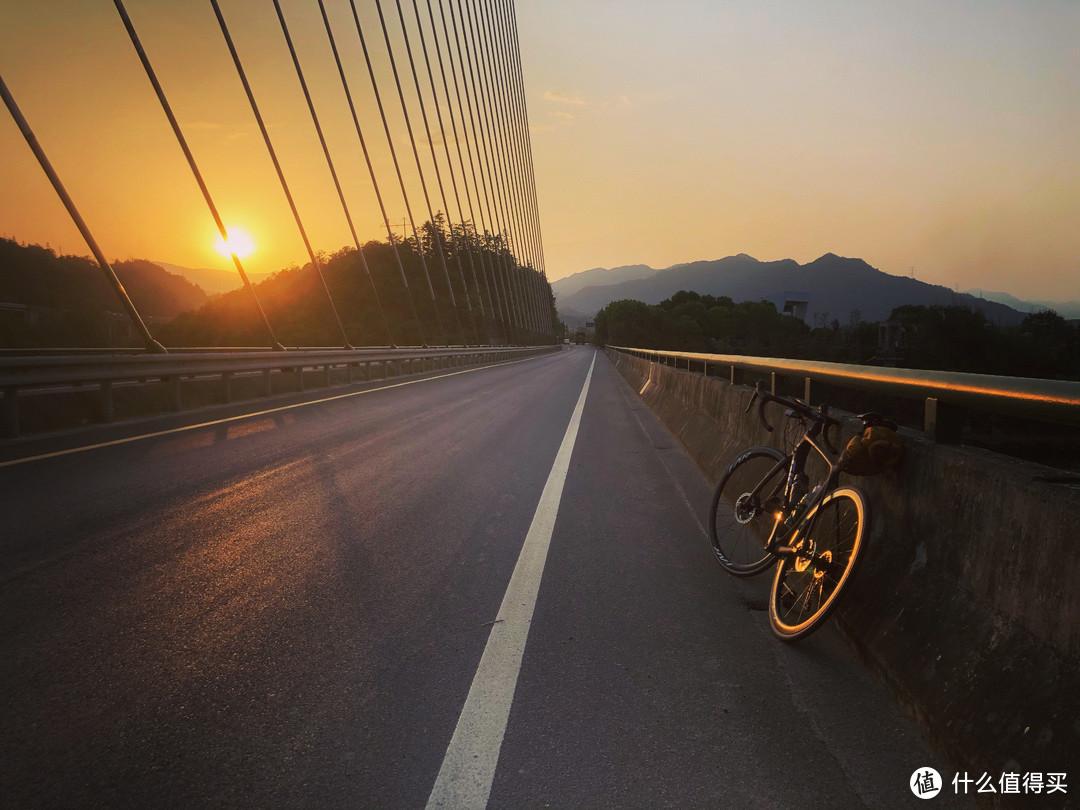太平湖大桥日落