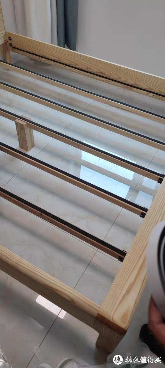 缓冲胶防止床板与横梁碰撞摩擦出现奇怪的声音