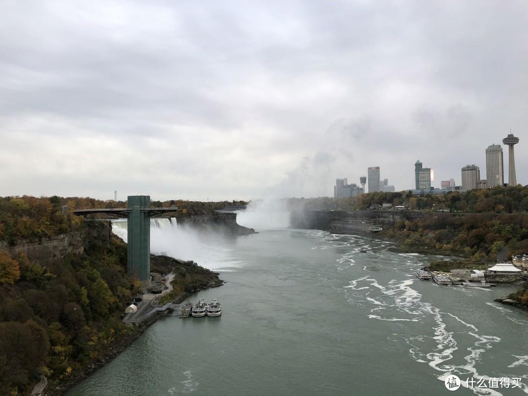 站在彩虹桥上再看一眼大瀑布
