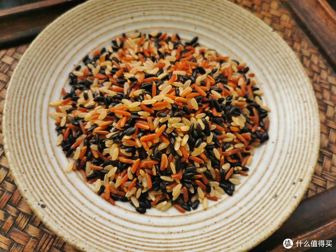 黑米、紫米、血糯米傻傻分不清,哪种口感更软糯?哪种热量更低?