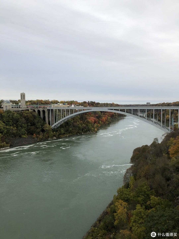 这就是我折腾一早上的彩虹桥远景