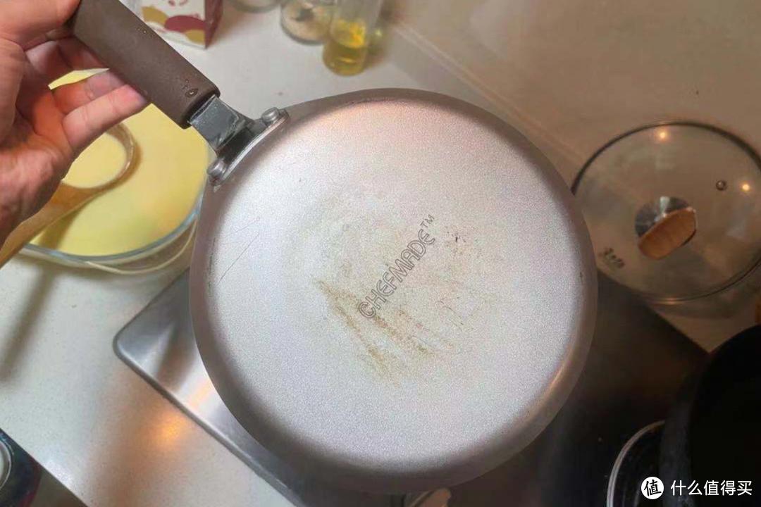不粘煎锅,之前买烘培小工具,就一起买的,还挺好用
