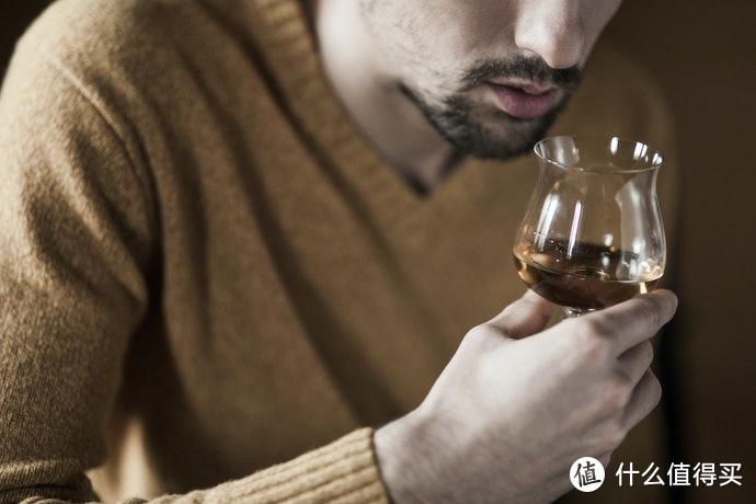 【饮酒器具】篇一:白兰地酒杯的选购指南和推荐