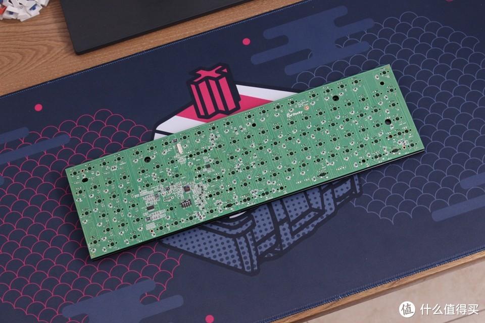 """打造涡轮增""""鸭""""机械键盘——吉利鸭ONE2更换TTC银轴及轴下灯改造分享"""