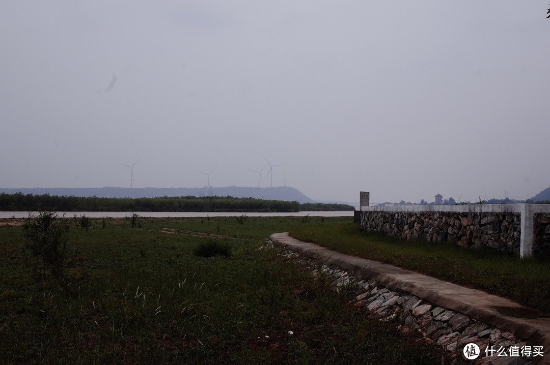 远处就是风陵渡,再远处的古建筑就是潼关老城头