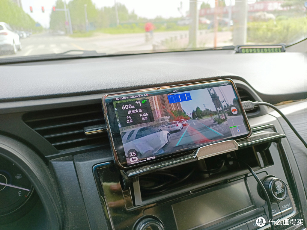 支持AR导航,小破车也能开出宝马的感觉,70迈记录仪体验