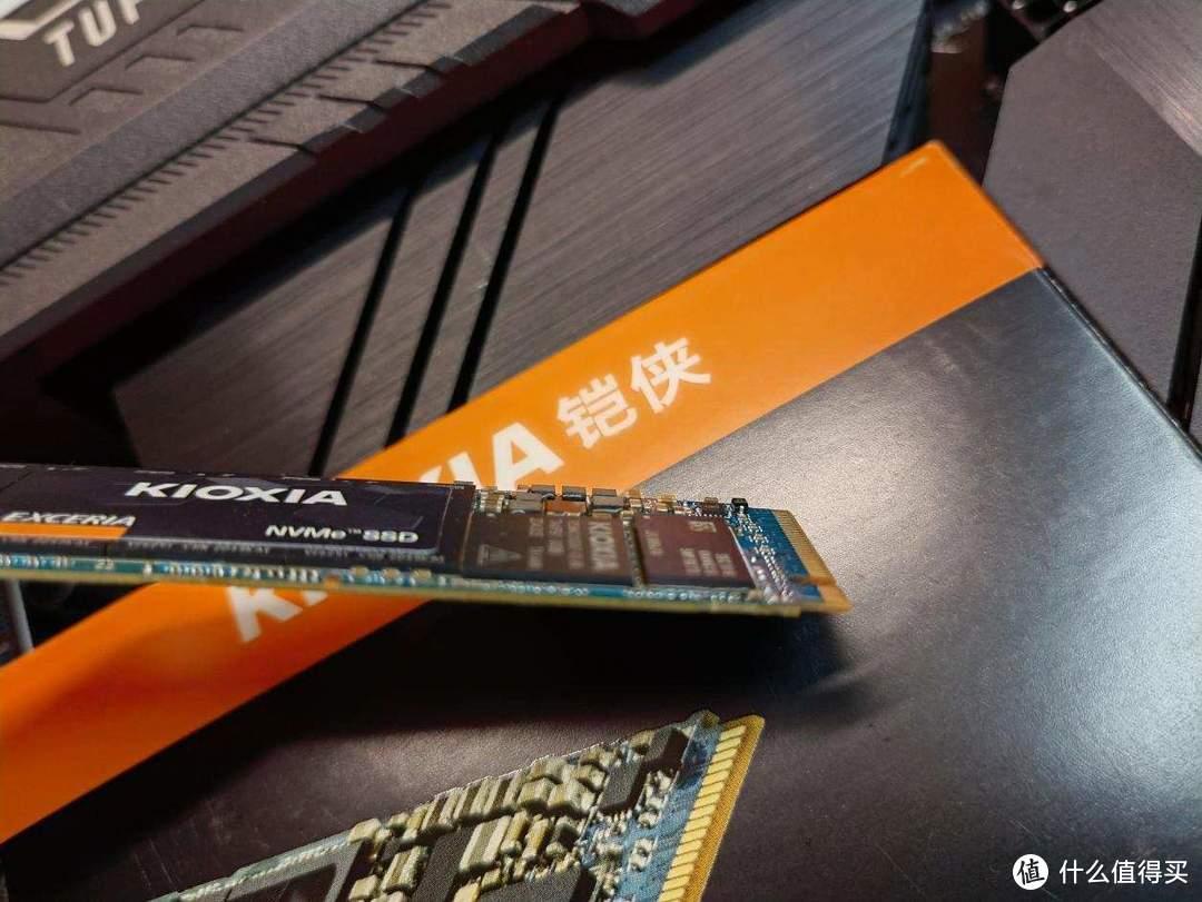 【季节装机第三期】铠侠RC10 SSD:不可错过的速度追求,装机性价比固态就该这么选!