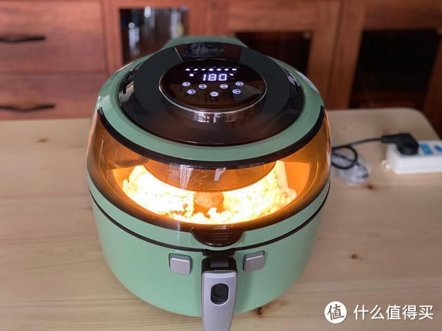 家庭版自制烤薯条,只需三种食材,香酥美味一次一锅不够吃