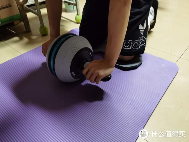 夏日健身利器—野小兽健腹轮&筋膜枪体验