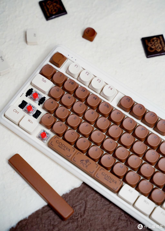 一把看到就想咬一口的键盘!ikbc&歌帝梵联名机械键盘