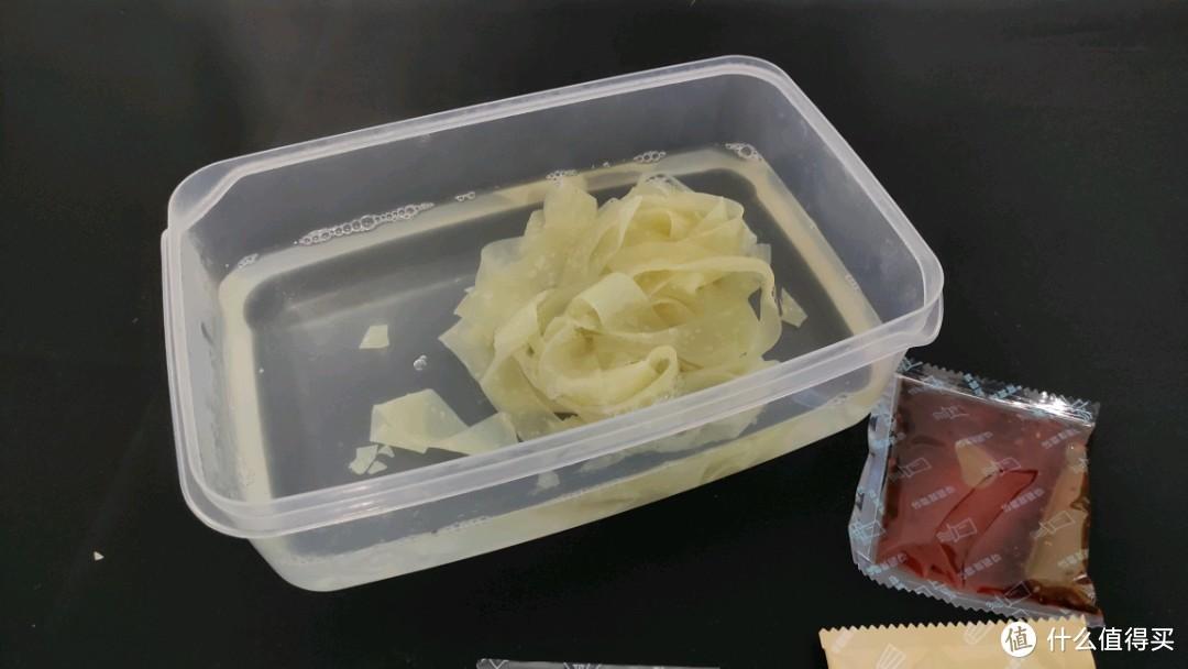 不用煮的网红速食——阿宽红油面皮