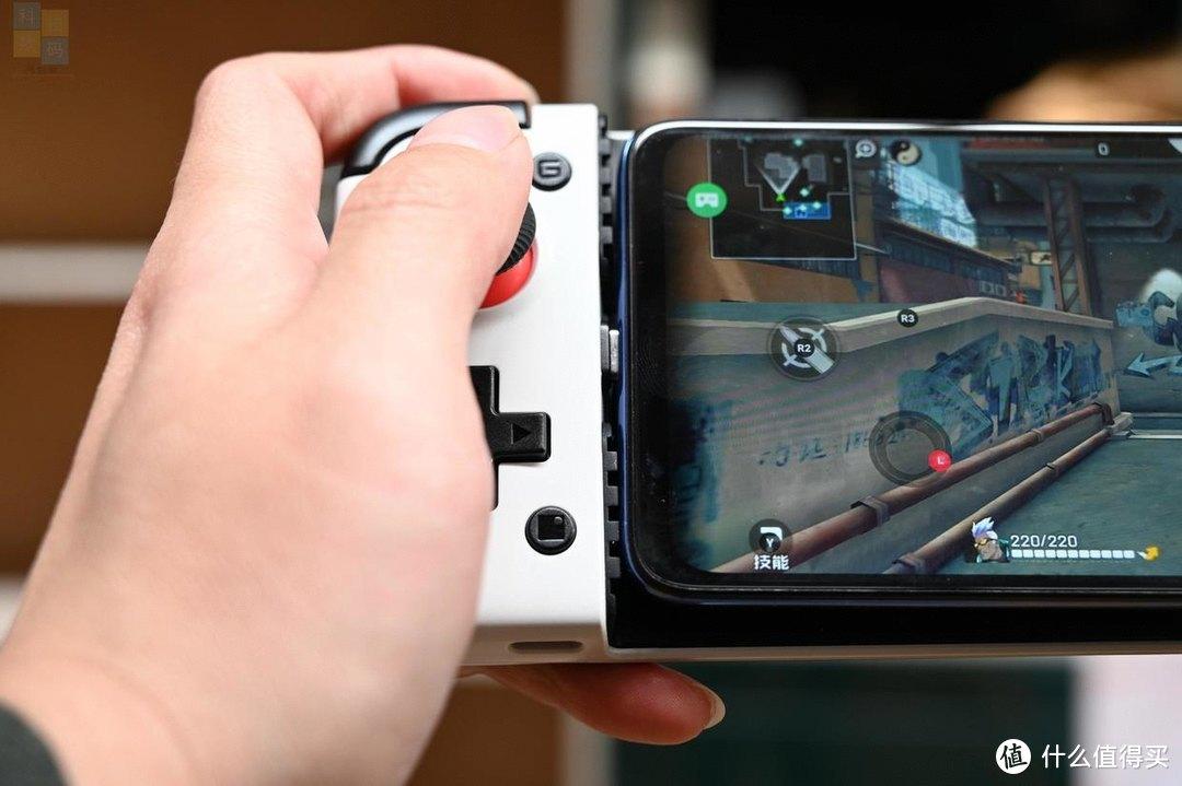 更痛快的游戏操作,让手机一秒变Switch,小鸡X2游戏手柄体验