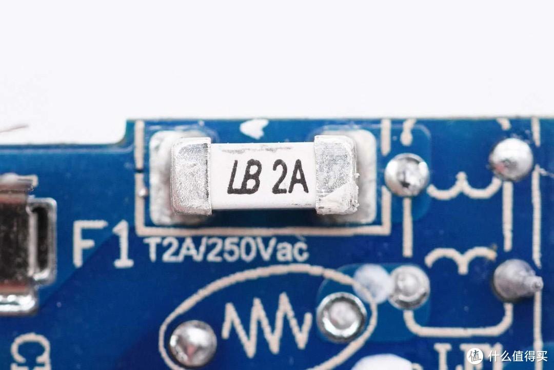 拆解报告:UGREEN绿联小金刚20W PD快充充电器