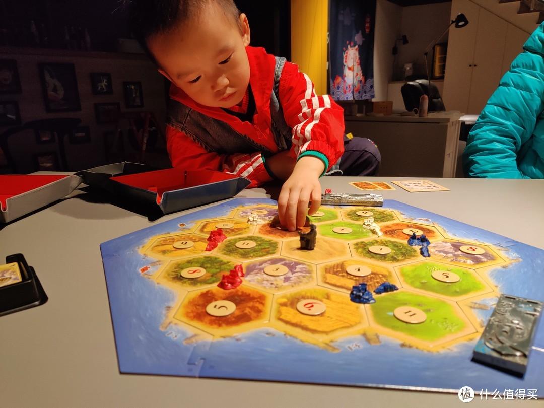经典卡坦岛,和儿童玩建议还是采用推荐设置,相对平衡一点