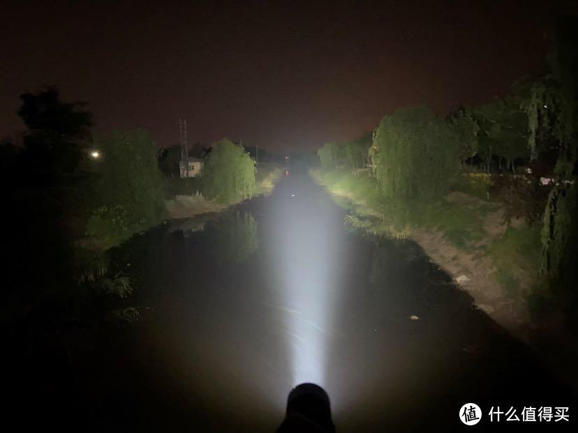 与你同行照亮黑暗——Pioneman匹欧曼K35中头强光手电筒