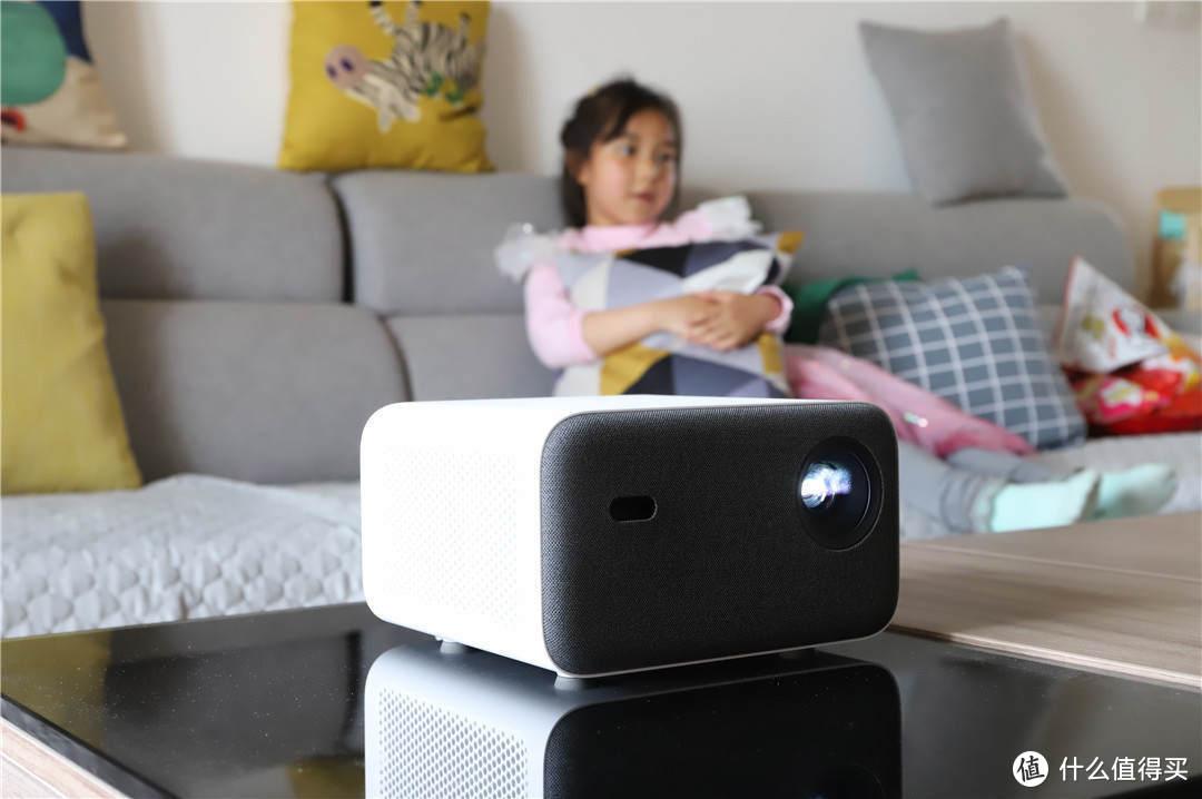 家庭观影新选择——米家投影仪2真香体验