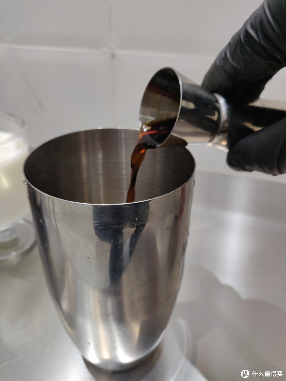 【值得Try】宅家调酒,咖啡打工人的调酒初体验