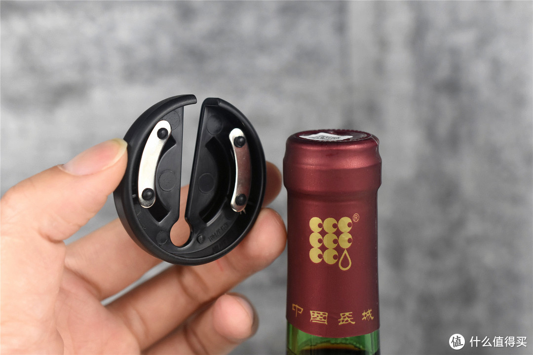一机多用,可开红酒和啤酒,这款小米有品电动开瓶器真不错