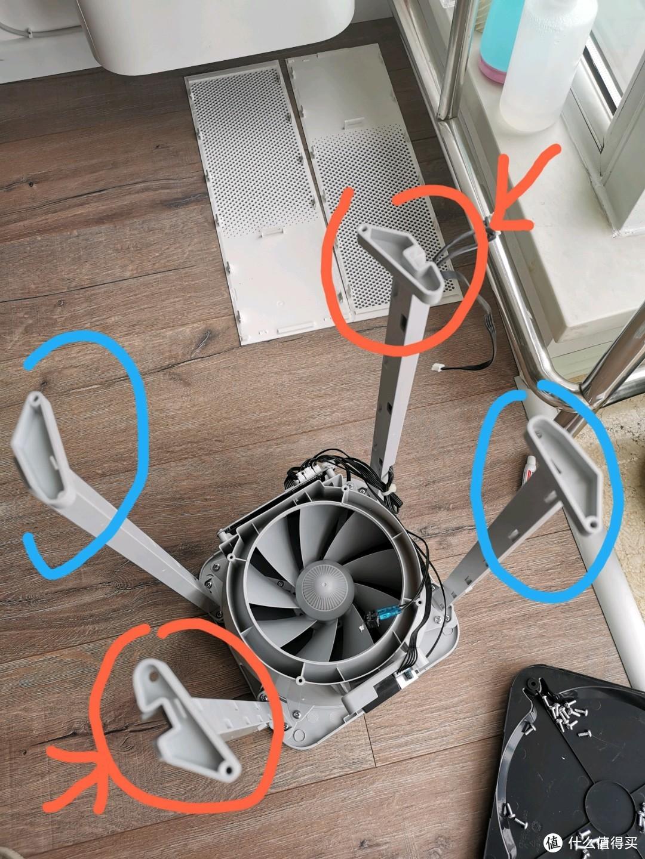 这是四个立柱安装的正确的方向,注意有凹口的两个是呈对角线布置的
