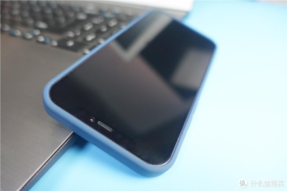 这手机壳很舒适,保护得也很到位,ESR亿色MFM手机壳体验