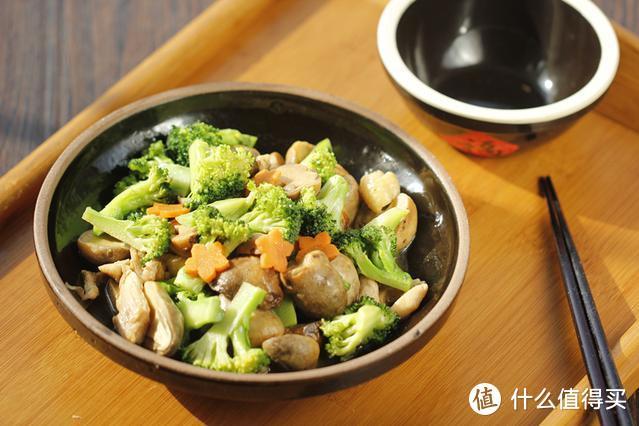 这三样食材一起炒,鲜香美味又下饭,做上一锅连汁都不剩,香极了