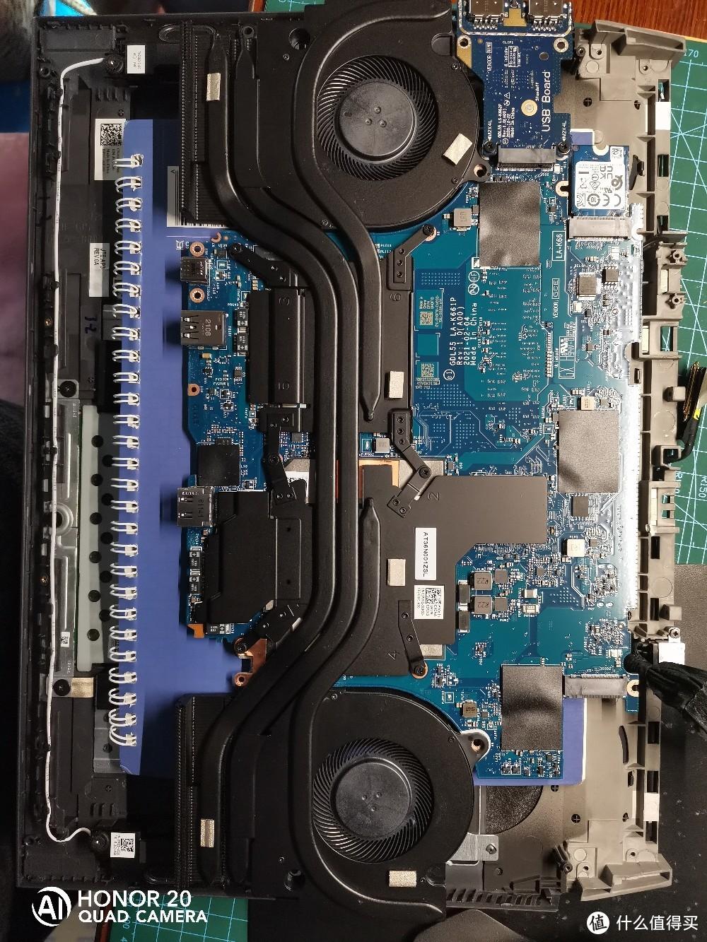 散热器跟AMD差别不大,反正就是160W的水平。