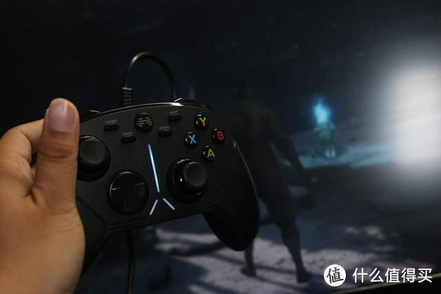北通阿修罗3有线游戏手柄更快更好的游戏体验