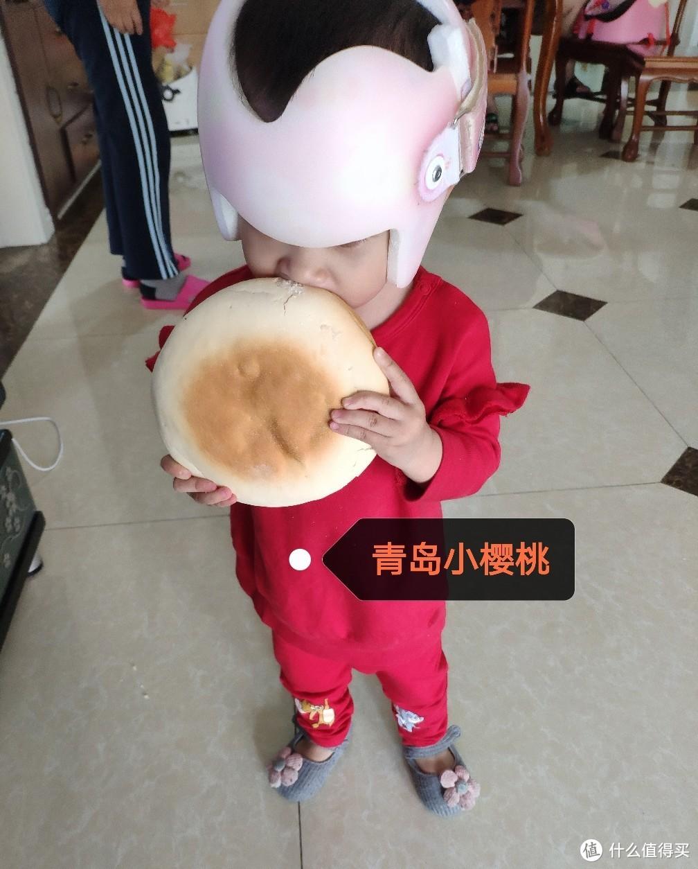 戴上头盔,真是让宝宝少挨多少跌碰。期待有用!照片版权所有,严禁他人未经授权使用!