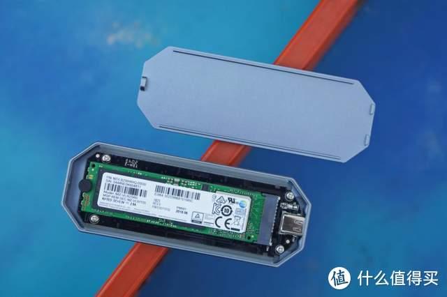 Orico奥睿科炫彩固态硬盘盒:要有颜,要有光,还要有速度