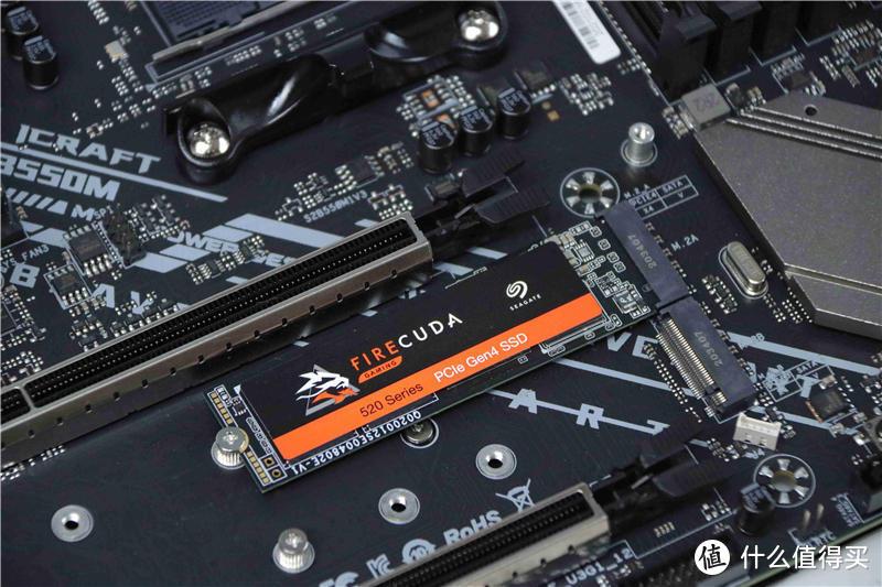 国产主板良心堆料,稳带5900X轻松破4.9Hz,铭瑄B550电竞之心装机体验