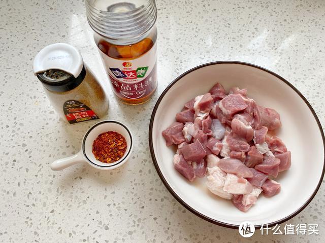 孩子爱吃的牙签肉,在家就能做不用油炸,外酥里嫩好吃又卫生