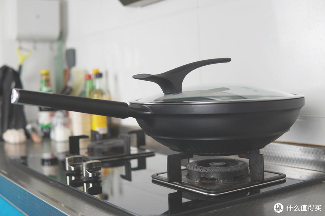 不粘锅也能用钢铲?号称耐磨防刮花的不粘锅靠谱么?
