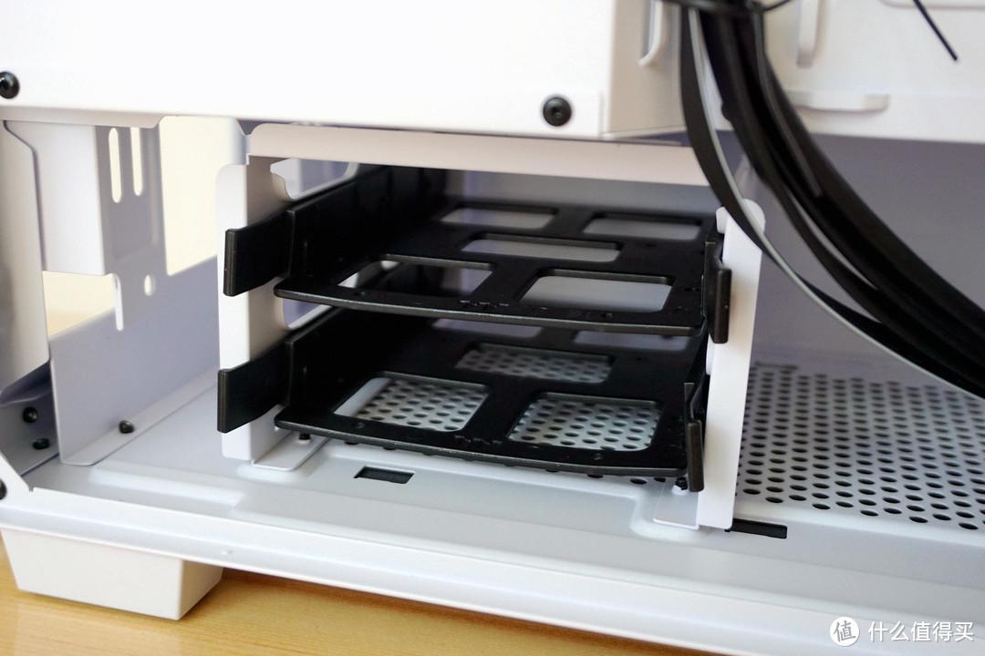 Tt艾坦Divider 300中塔机箱:三角侧透,立体散热,玩游戏更带感