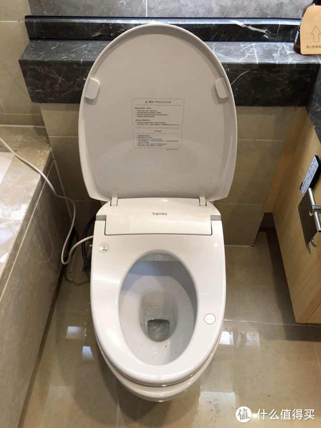 """小沐智能马桶盖Pro上手测评:这八种""""武艺""""让我们在厕所更舒畅"""